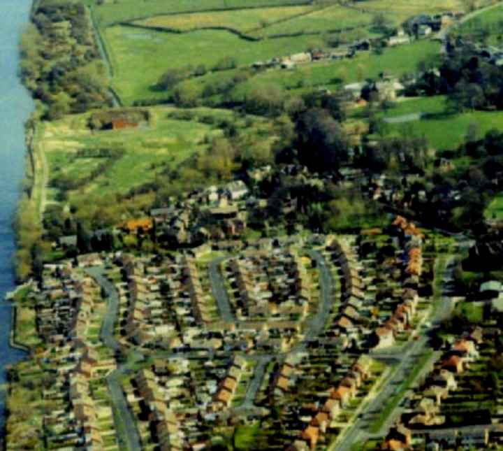 Thelwall village